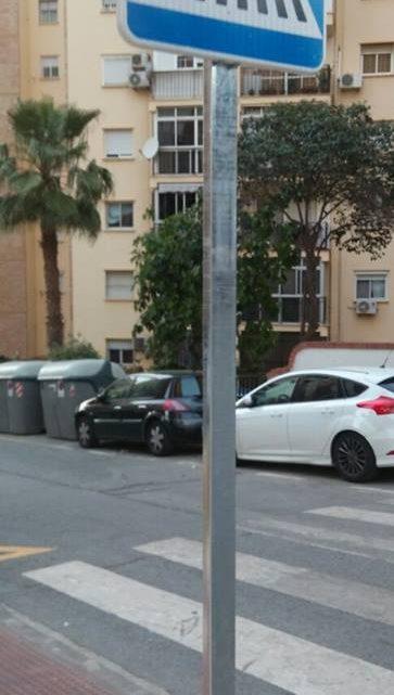 Colocación de señal vertical de Cebreado (paso de peatones)