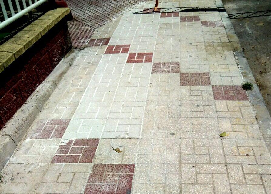 Reposición de baldosas fracturadas e salientes Calle Alcalde Nicolás Maroto