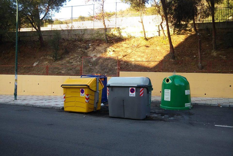 Reposición Contenedores Calcinados contenedor de orgánica,papel ,envases,vidrio. Marques de Mantua,17