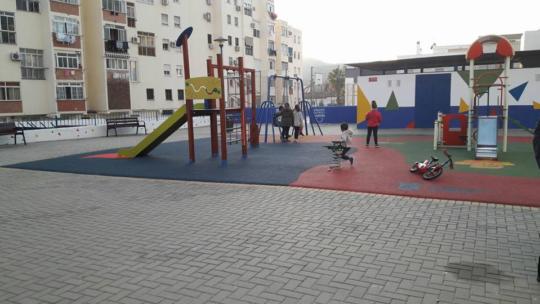 Limpieza y retirada de desperdicios al suelo Parque Infantil Estudiante Crisóstomo