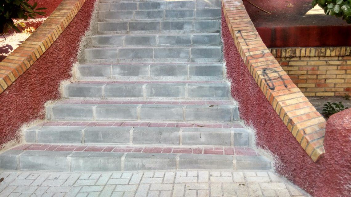Remodelación de escaleras e peldanos finalizado CL Cristóbal de Virués,1