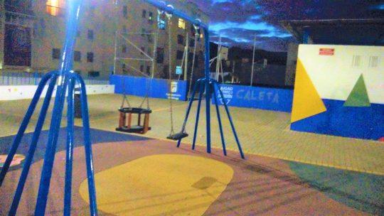 Colocación de cesta adaptado para bebes CL ESTUDIANTE CRISÓSTOMO solicitado por Asociación de Vecinos Pablo Picasso Jardìn de Màlaga