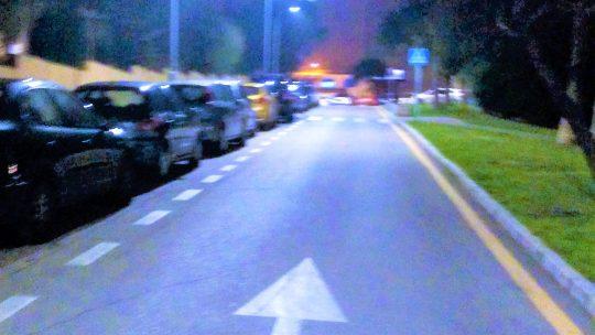 Reposición de luminaria, defectuosa, vía sin iluminación. Pje. Llobregat solicitado por Asociación de Vecinos Pablo Picasso Jardìn de Màlaga