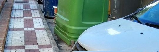 Retirada de Vertido ilegal de 5 sacos de escombros de obra domestica en CL Alcalde Joaquín Quiles, 27 solicitado por Asociación de Vecinos Pablo Picasso Jardìn de Màlaga