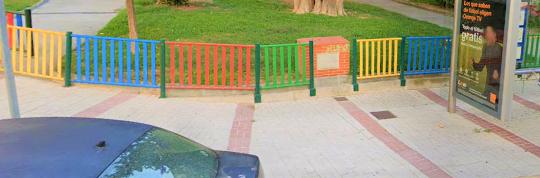 Baldeo manual, realizado para eliminar las manchas y demás suciedad incrustada calle Alcalde Joaquín Quiles nº 31