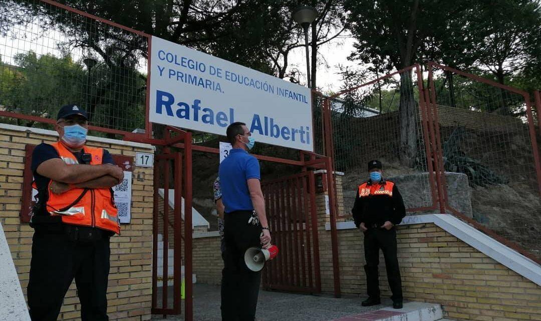 Solicitado Asociación de Vecinos Pablo Picasso Jardìn de Màlaga Protección Civil Málaga Hoy hemos estado servicio de preventivo en la entrada del colegio Rafael Alberti