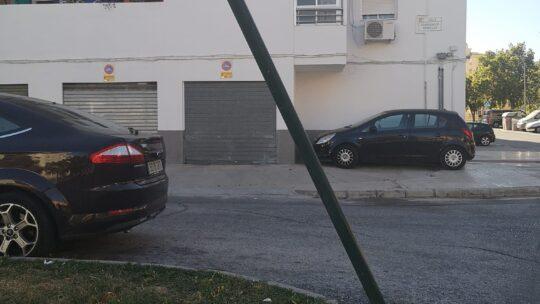Solicitado corrección de posición de Señal vertical de Paso de peatones inclinado en Calle Comendador Bobadilla